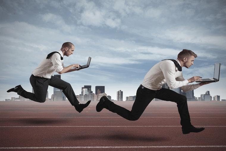 2 men running